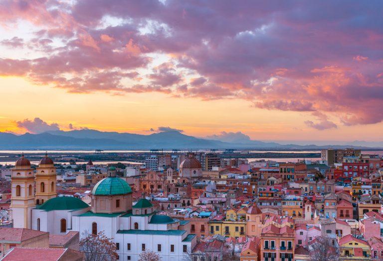 itinerario sardegna sud est a Cagliari e il suo tramonto stupendo
