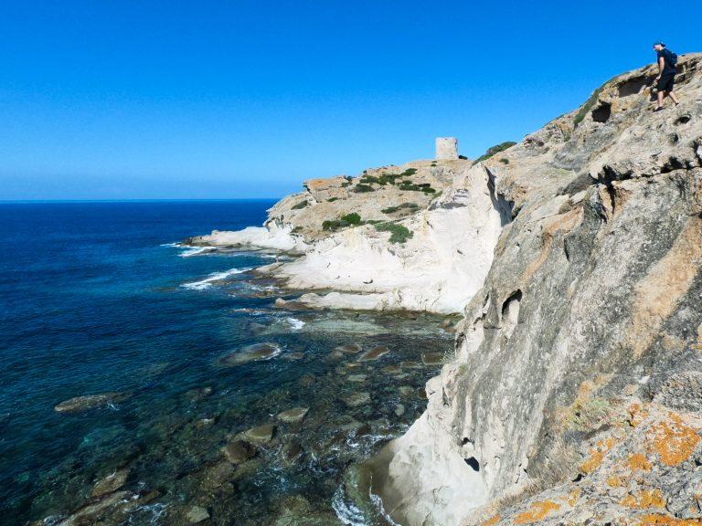 escursione marrargiu cumoultittu tra costa, torri e macchia mediterranea