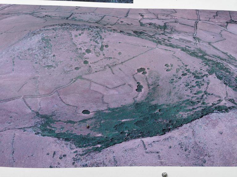 cosa vedere bonorva la foto da un drone del cratere