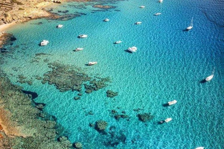 Una spiaggia bellissima nella costa ovest della Sardegna